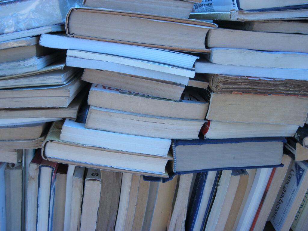 Aussortierte Bücher
