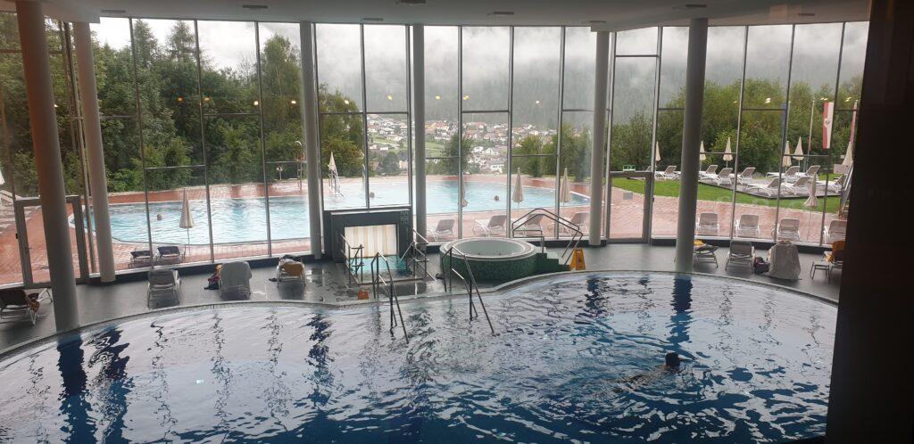 Mein Büro im Hotel - Ausblick auf den Pool
